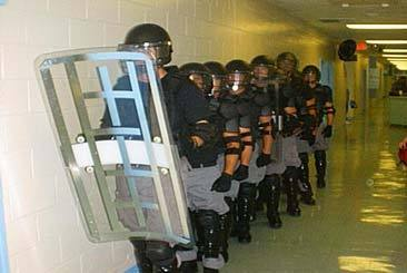 jails and prisons response The spe was designed as a mock prison simulating some of the main features that characterized the american prison system at that time central in the training of guards was to exercise their.